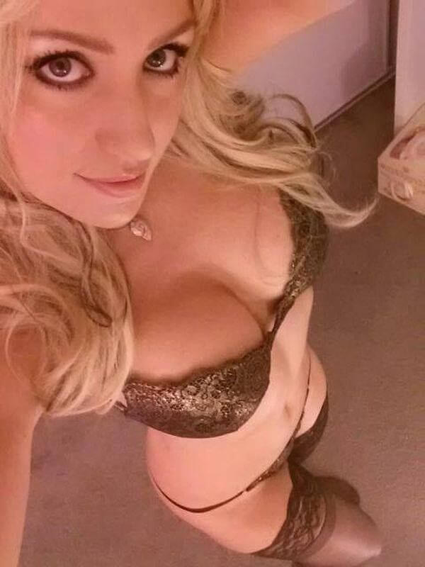 erotisches-livechat-girl-in-sexy-dessous