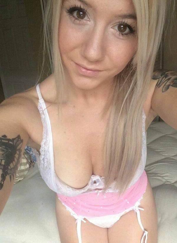 Sexcam Testen Und Die Sexy Möpse Von Diesem Geilen Live Cam Girl Nackt Sehen