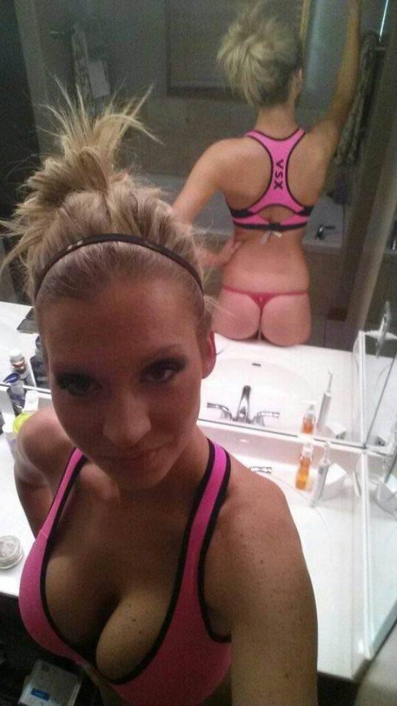 Sexy Sex Cam Luder Mit Blondierten Haaren