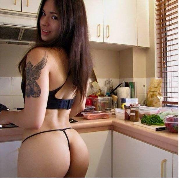 Vor Der Webcam Strippt Die Sexy Frau Live
